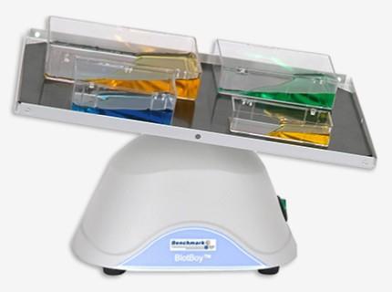 Mini BlotBoy™ 3D Rocker<br>Agitador con velocidad y ángulo de inclinación variable<br>CAT. B3D1008-E
